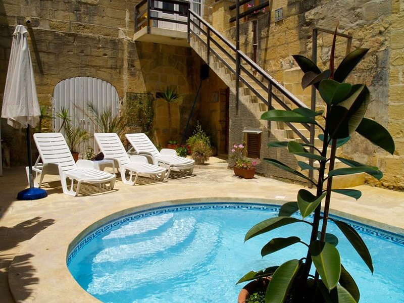 Superb trditional farmhouses in a queit area, vakantiewoning in Gharb