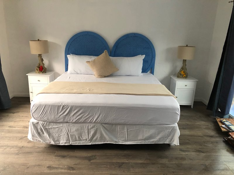 Brand New Deluxe Family Suite, holiday rental in Eleuthera
