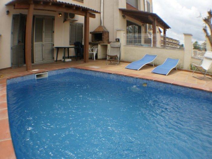 Casa de 4 habitaciones, 2 baños, piscina privada, amarre, wifi, location de vacances à Empuriabrava