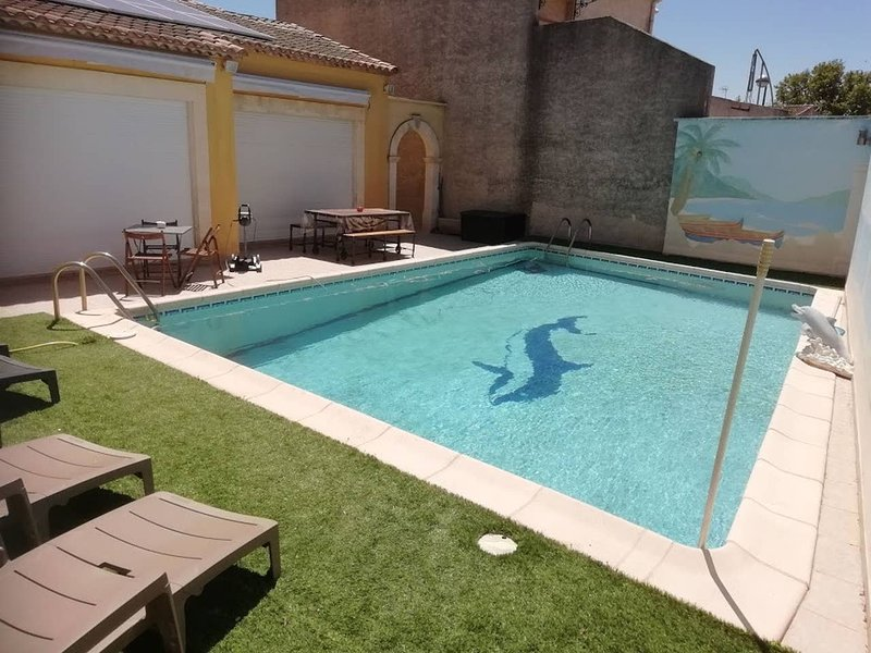 Spacious villa with swimming-pool, holiday rental in Montcalm