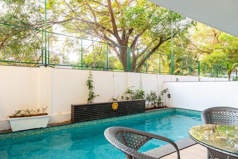 Villa Zuari : 3BHK Premium Villa in Baga (private pool; parking), holiday rental in Baga