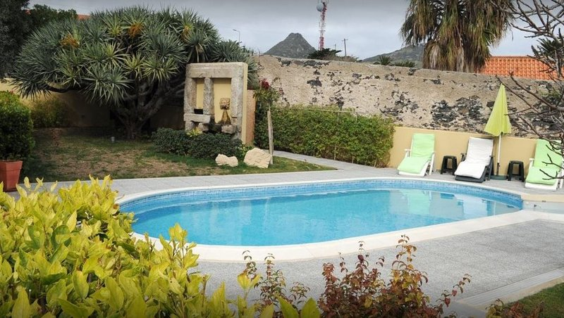 Amazing studio with shared pool, vacation rental in Porto Santo Island