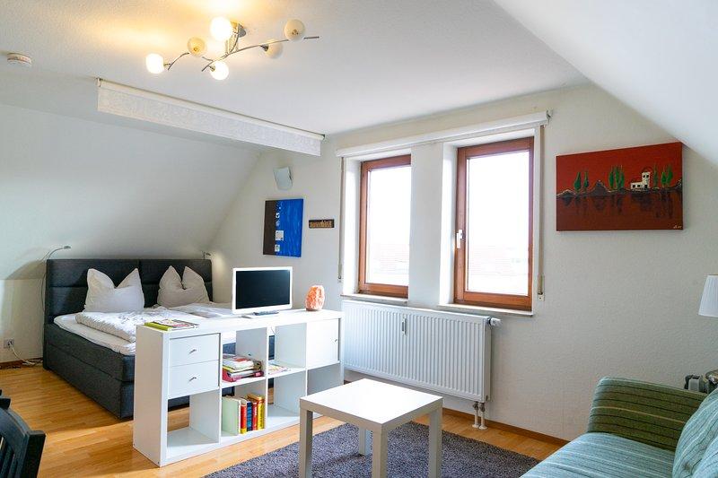 Ferienwohnung nähe Stuttgart.Neu eingerichtetes modernes 1-Zimmer-Appartement., aluguéis de temporada em Leinfelden-Echterdingen