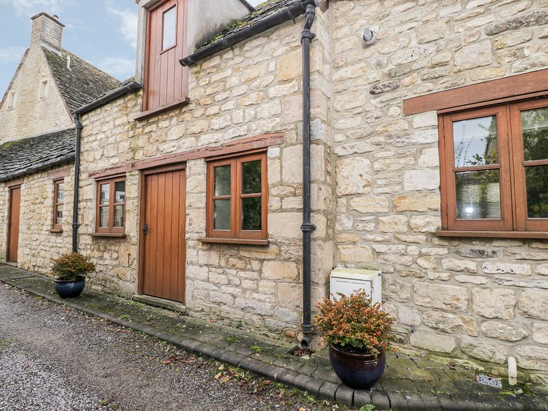 Chapel Cottage, King's Stanley, holiday rental in Whitminster