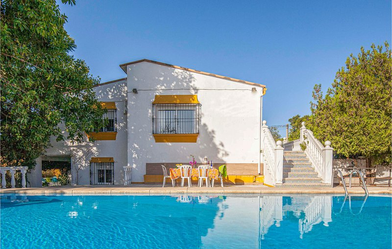 Stunning home in Tomares with WiFi and 7 Bedrooms (EAC258), holiday rental in Bormujos