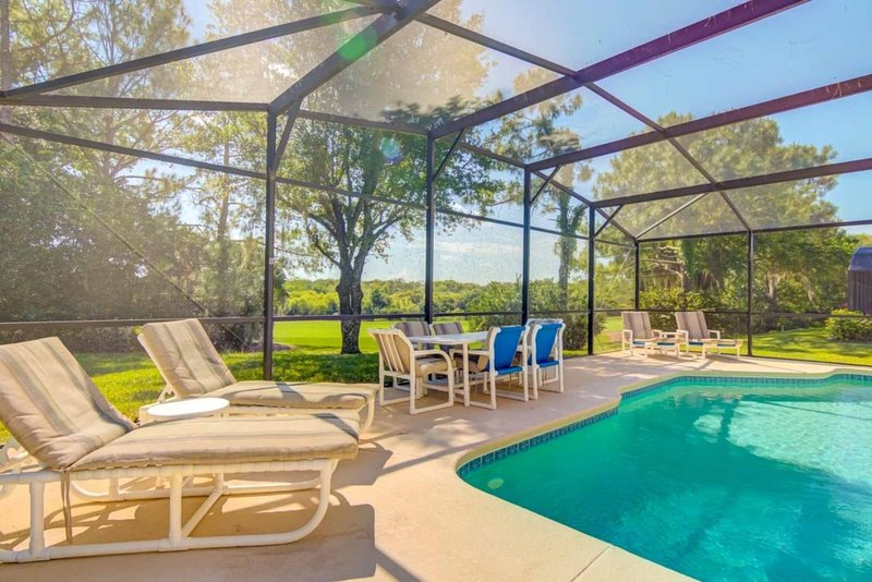 Citrus Sun Private Pool Home & Game Room, holiday rental in Lake Hamilton