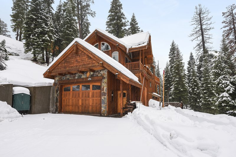 Alpine Oasis Chalet in Squaw Valley