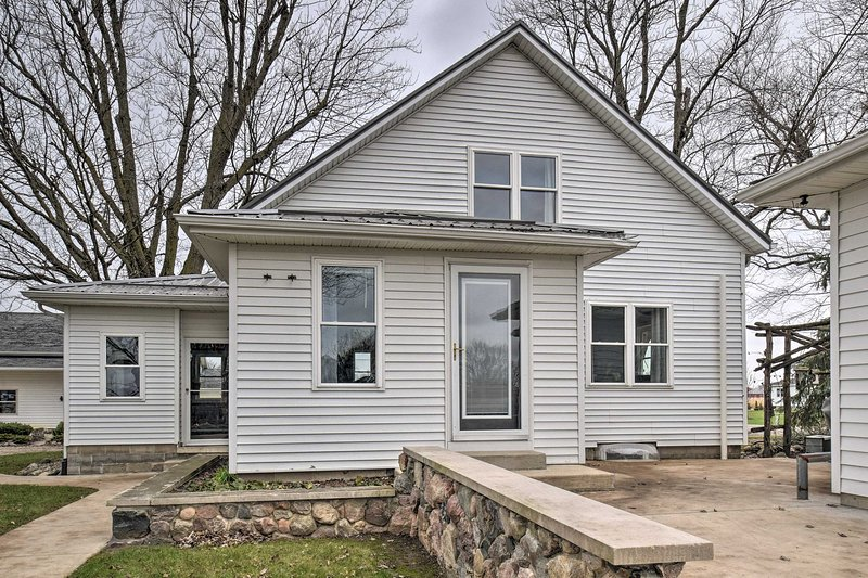 NEW! Authentic Dairy Farm Retreat in Amish Country, aluguéis de temporada em Middlebury