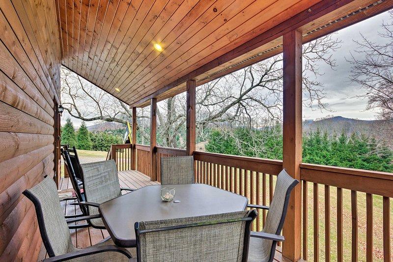 Questa proprietà vi invita a godervi lunghe giornate estive all'aperto!