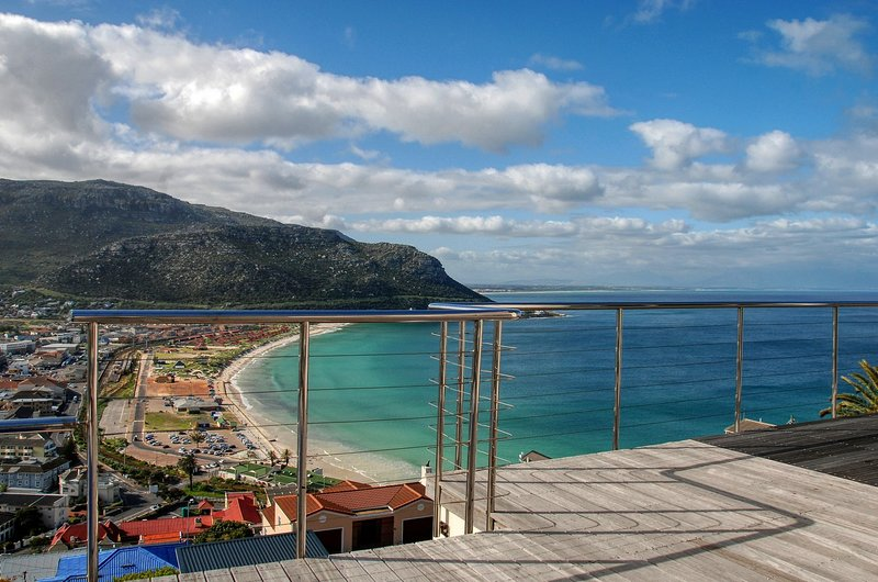 Beautiful Cape Town House with Incredible Views, holiday rental in Fish Hoek