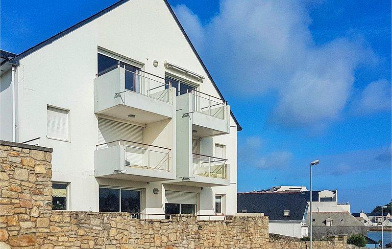 Amazing apartment in Audierne with 2 Bedrooms (FBF639), alquiler de vacaciones en Audierne