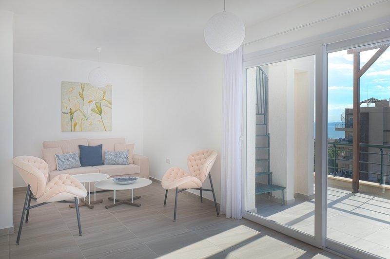 Napoleon apartment with  Penthouse & Spa Tub, alquiler vacacional en Yeni Erenkoy