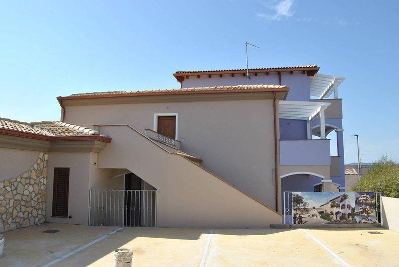 Appartamenti MareBlu, vacation rental in Badesi