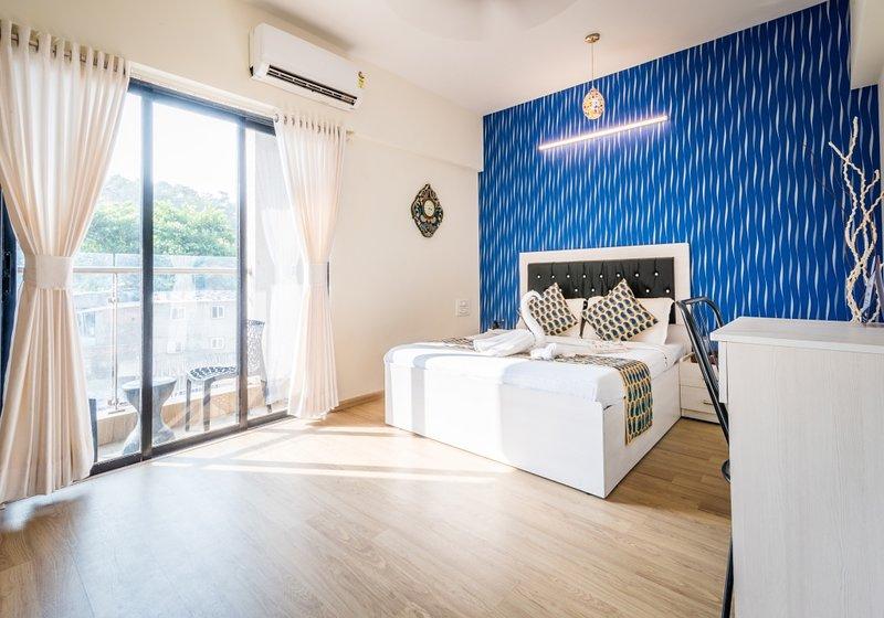 2 Bedroom apartment Near SEEPZ Andheri East, vacation rental in Ghātkopar