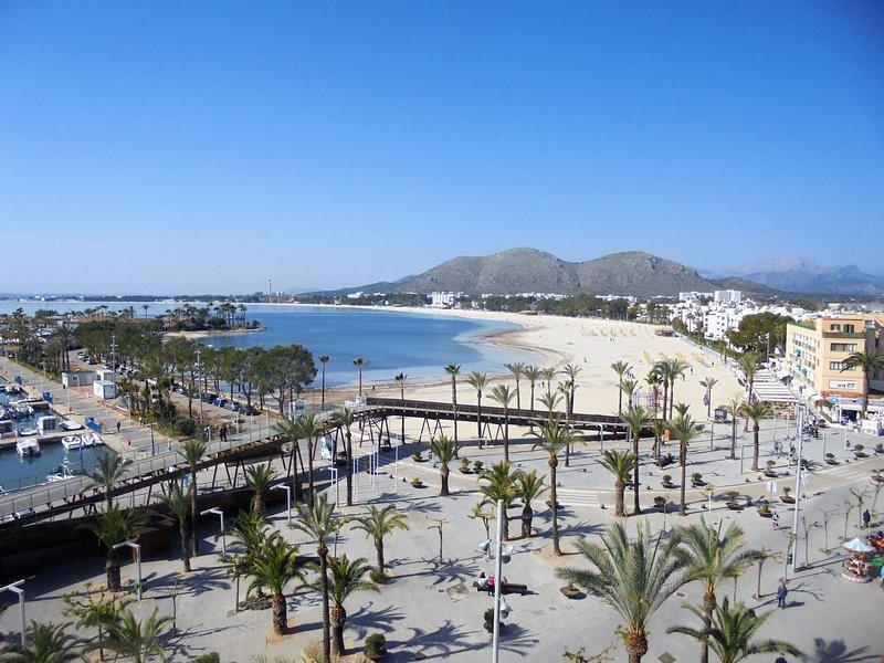 tranquilo apartamento en zona peatonal con vistas al mar (tucasaenmallorca), location de vacances à Alcudia