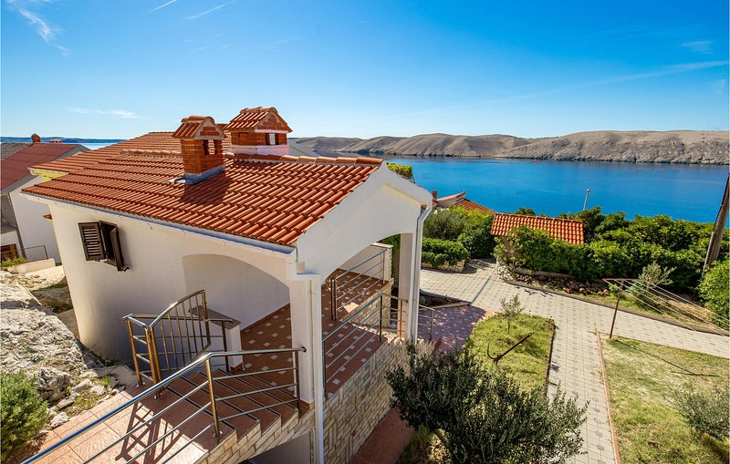 Stunning home in Miskovici with WiFi and 1 Bedrooms (CKP167), location de vacances à Vlasici