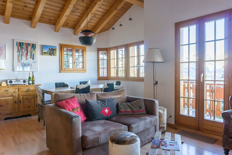 Private chalet with stunning views, vacation rental in Nendaz