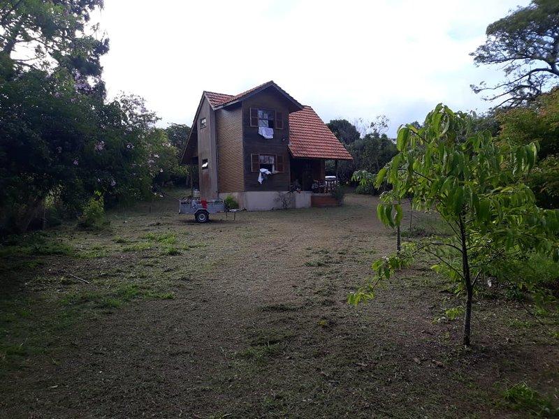Chalé rústico no Santinho, vacation rental in Santinho