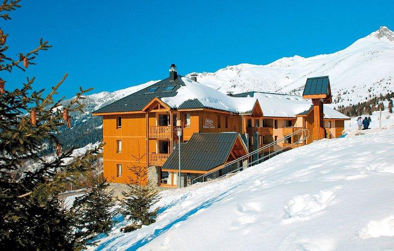 Trascorri le tue giornate sciando sulle piste incontaminate!