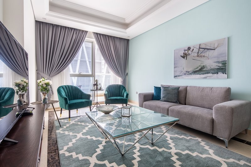Stunning and Luxurious 2BR + Study In The Heart Of Downtown Dubai, casa vacanza a Hatta