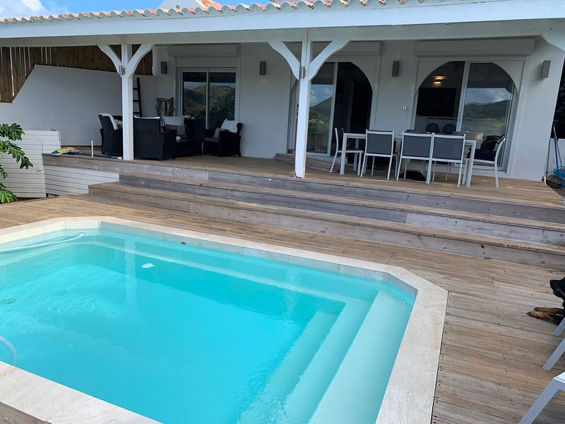 Amazing villa with swimming-pool, holiday rental in Orient Bay