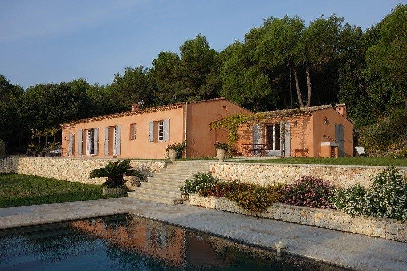 Magnifique villa provençale avec vue mer panoramique calme et sans vis-à-vis, location de vacances à Tourrettes-sur-Loup