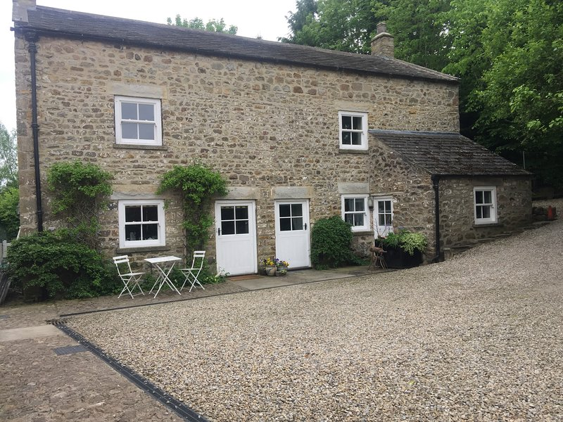 Corn Mill- Mill House perfect home from home  on the doorstep of the dales, holiday rental in Arrathorne