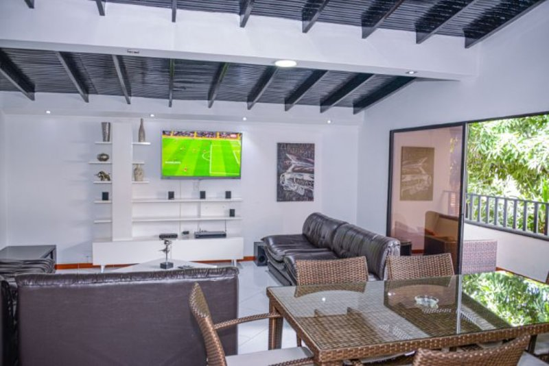 Dining Room/Living Room/Balcony