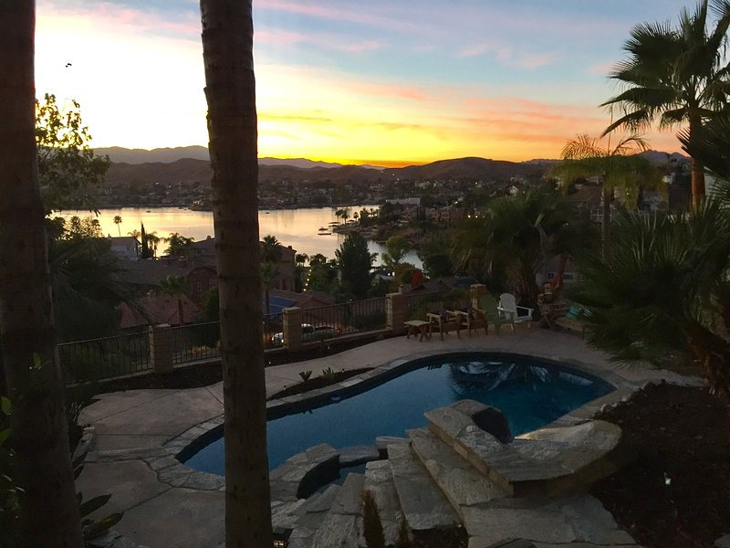 Discover Private Lake Getaway - SoCal Wine Country near Temecula, location de vacances à Canyon Lake