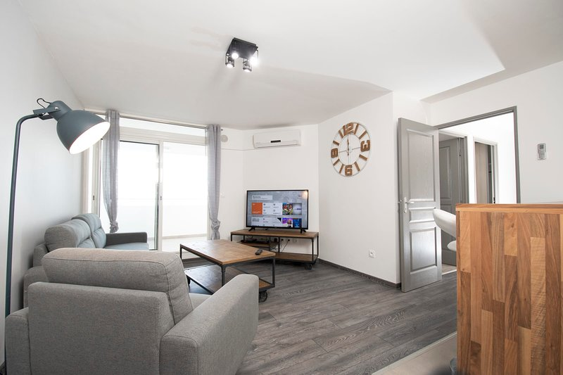 T4 CozyLodge 70m2 - Renovated - 10 'from Saint-Denis airport, holiday rental in Saint-Denis