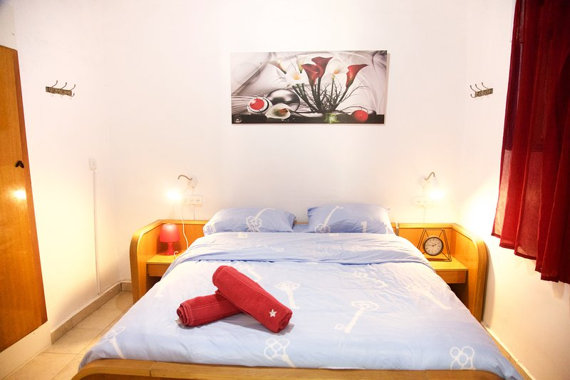 Old Town Guest House, vacation rental in Mashabei Sadeh