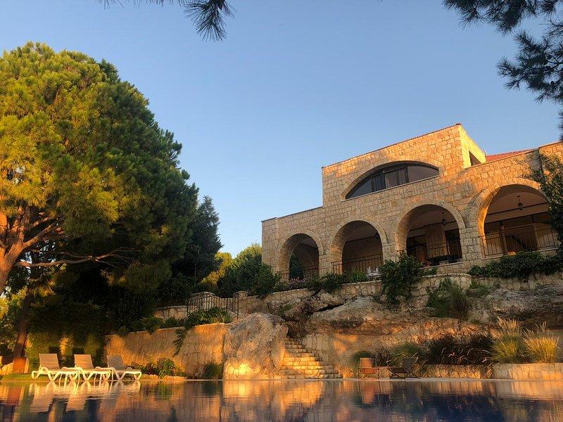 Phoenicians Landing, holiday rental in Shomera