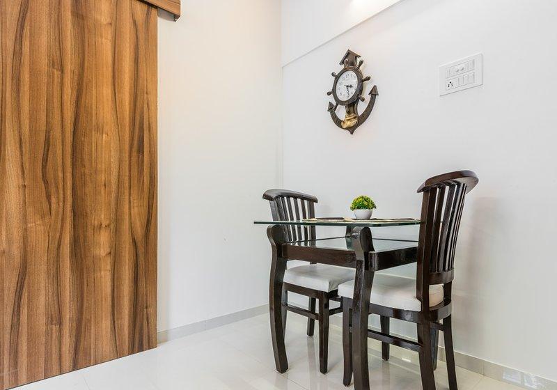 Lofted Apartment+Higher Floor+Airport runway View, vacation rental in Ghātkopar