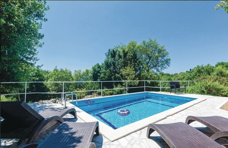 Villa Arkulin - Four Bedroom Villa with Terrace and Swimming Pool, vacation rental in Ljuta