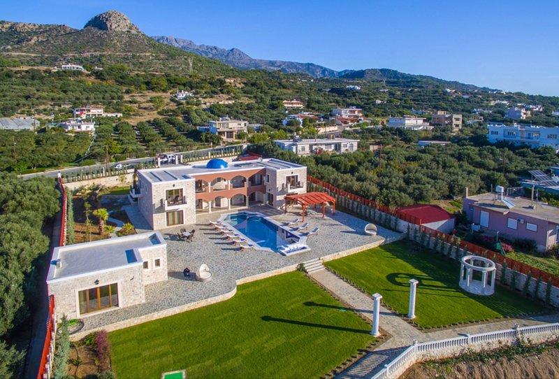 Villa Kastello Kalliste, Wine Dark Sea Villas, location de vacances à Koutsouras