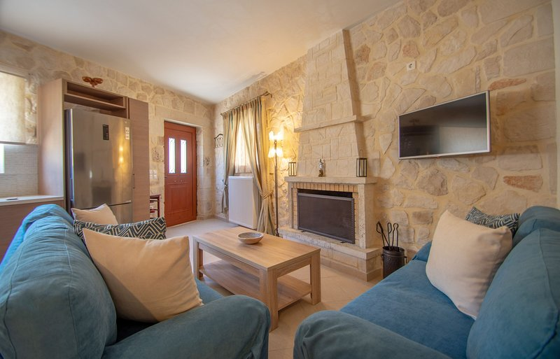 Kantouni 4 Bedroom House, alquiler vacacional en Anafonitria