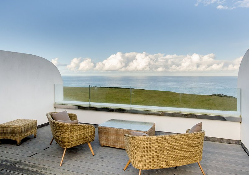 Fistral Bay View, holiday rental in Crantock