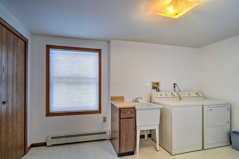 Das Haus verfügt auch über eine Waschmaschine und Trockner für Ihre Bequemlichkeit!