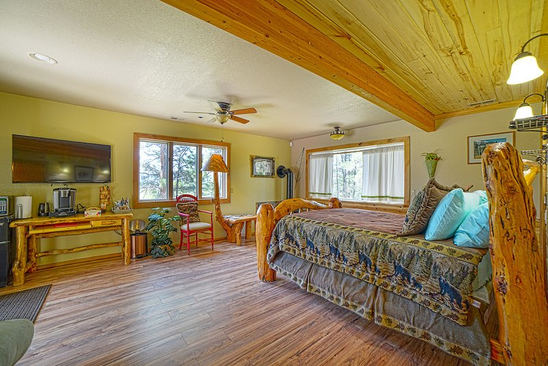 Pagosa Deluxe Suite on the Golf Course, holiday rental in Pagosa Springs