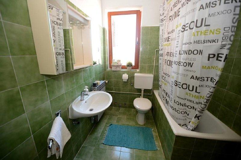 A2 (5): banheiro com vaso sanitário