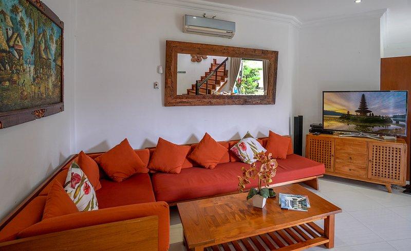 Villa Kamala Jimbaran Bali Has Cable Satellite Tv And Air Conditioning Updated 2021 Tripadvisor Jimbaran Vacation Rental