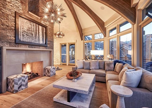 As Featured in Luxe Magazine, Ski-In/Ski-Out Home w/ Hot Tub & Stunning Views, vacation rental in Aspen