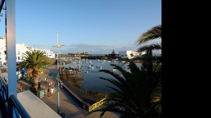Apartment La Marina Sea Views with Terrace, holiday rental in Puerto Naos