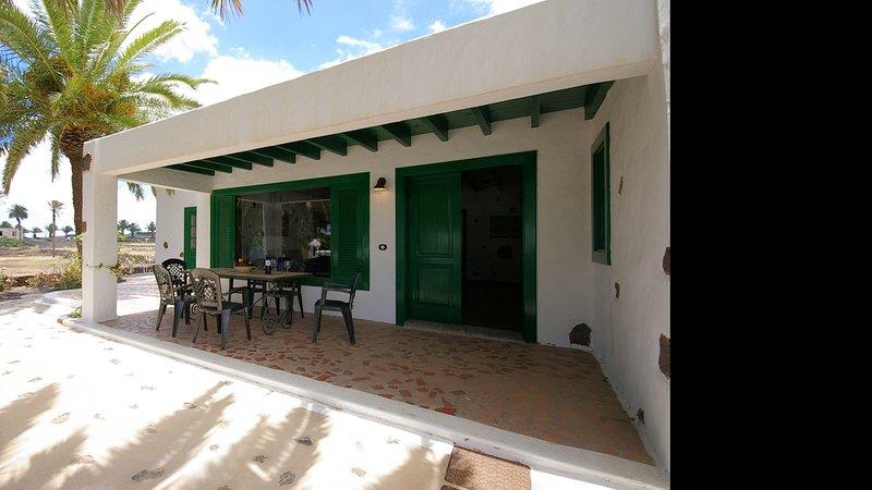 Villas Finca la Crucita 3 Bedrooms, location de vacances à Hembert