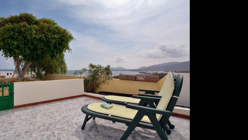 Apartment La Lapa with Sea Views Punta Mujeres, vacation rental in Punta Mujeres