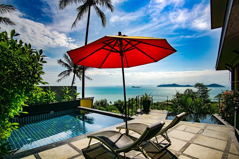 Ocean View 1 Bed Villa has Pool, Jacuzzi, Yoga/Massage Room, FREE CAR & Transfer, vacation rental in Laem Set