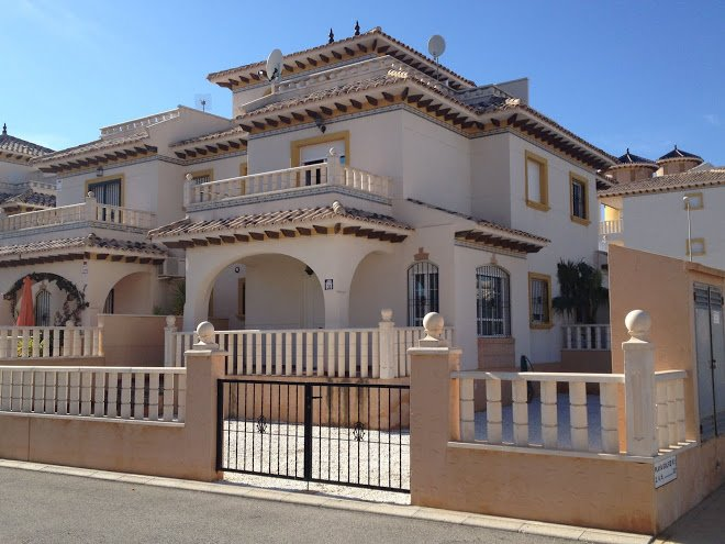 Nice house with pool access, holiday rental in Los Dolses