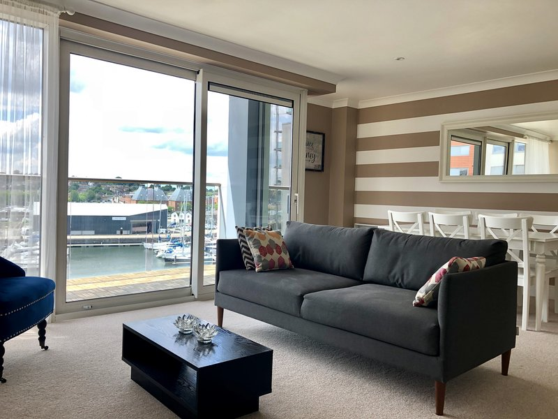 Toothbrush Apartments - Ipswich Waterfront - Anchor St, vacation rental in Ipswich