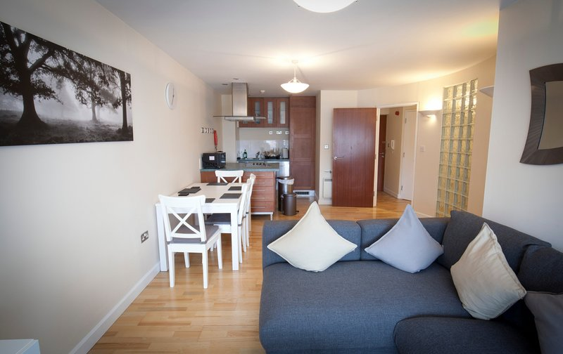 Toothbrush Apartments - Central Ipswich - St Peters St, holiday rental in Ipswich