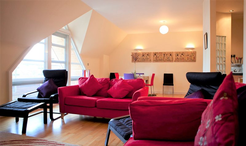 Toothbrush Apartments - Central Ipswich - St Peters St, vacation rental in Ipswich